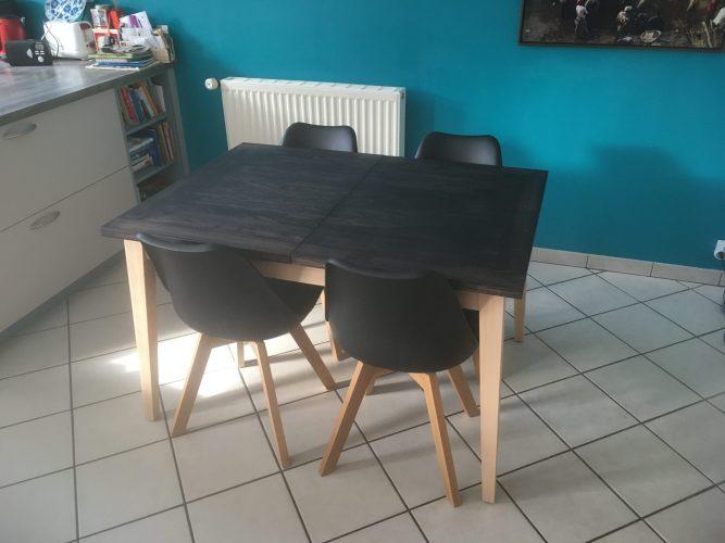Table à allonges en hêtre
